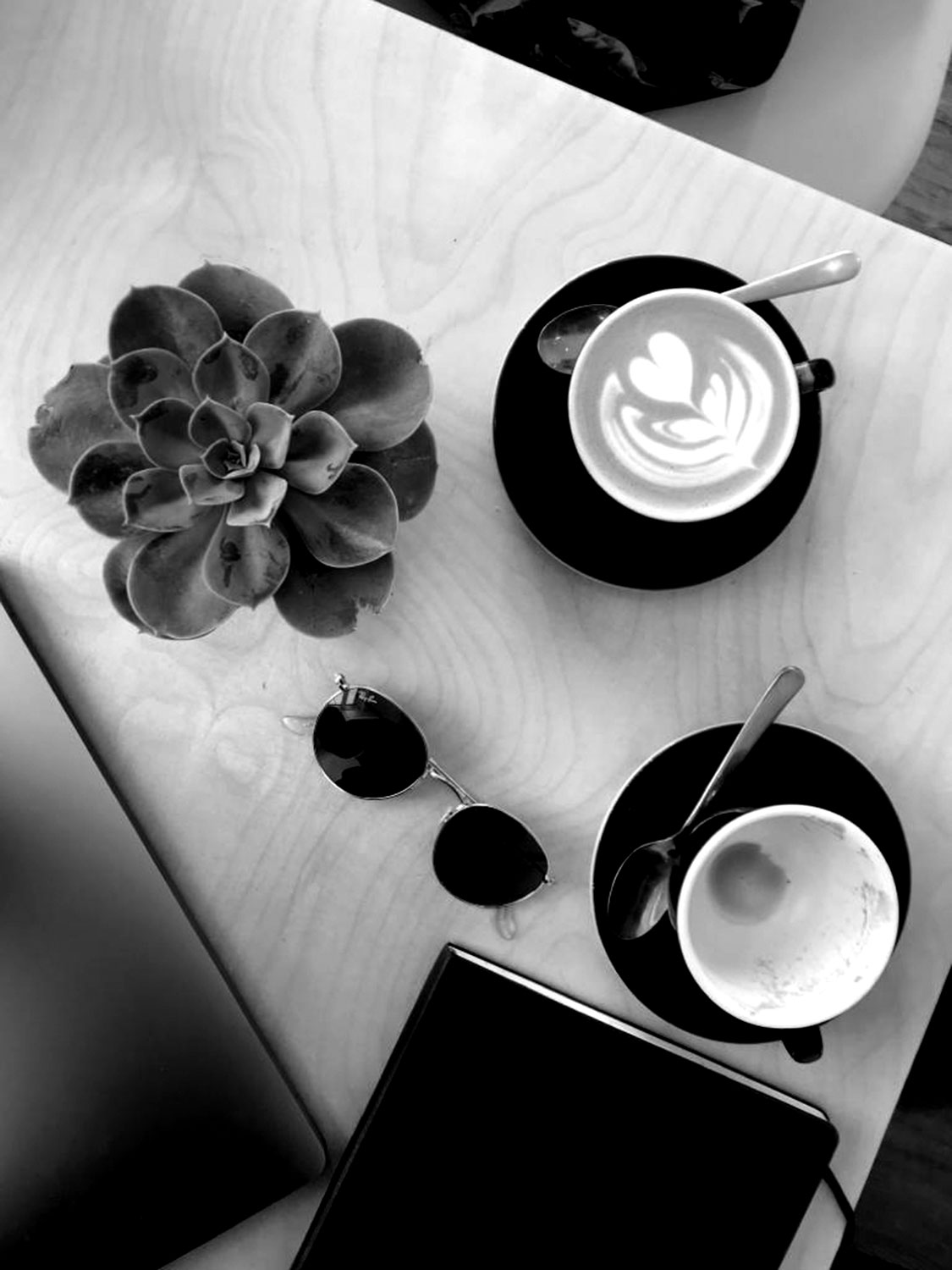 Cafe_main_03_BW