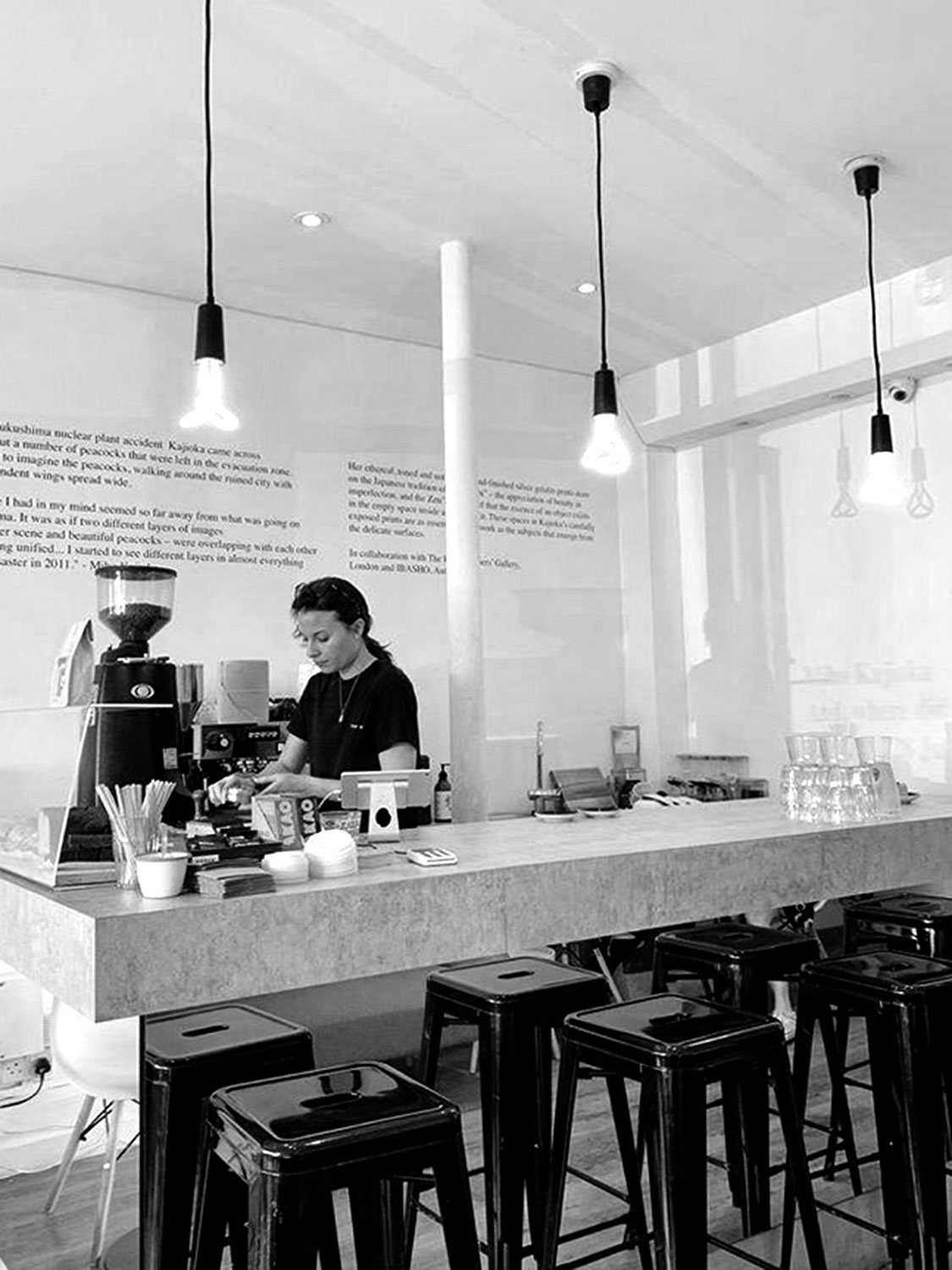 Cafe_main_04_BW